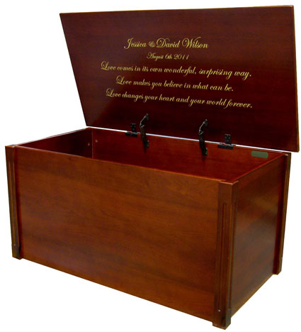 Wedding memory chest in cherry with engraving